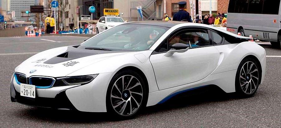 File source: http://commons.wikimedia.org/wiki/File:Tokyo_Marathon_2014_Leading_car_BMW_i8.jpg