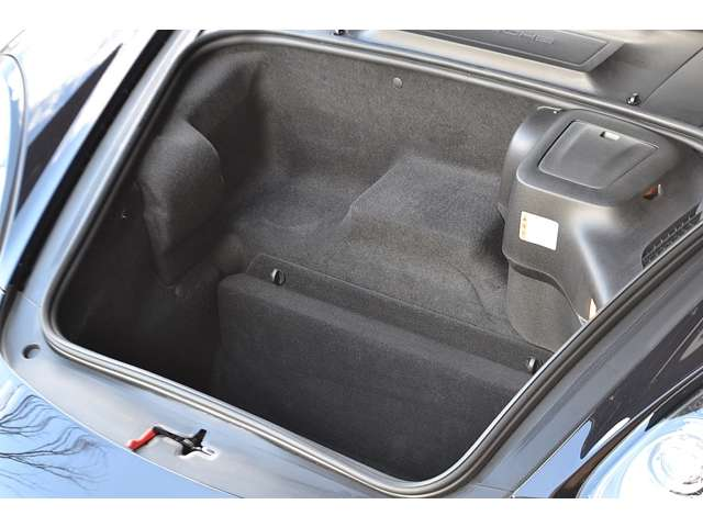 boxster-front-trunk