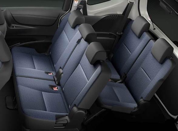 sienta-rear-seat