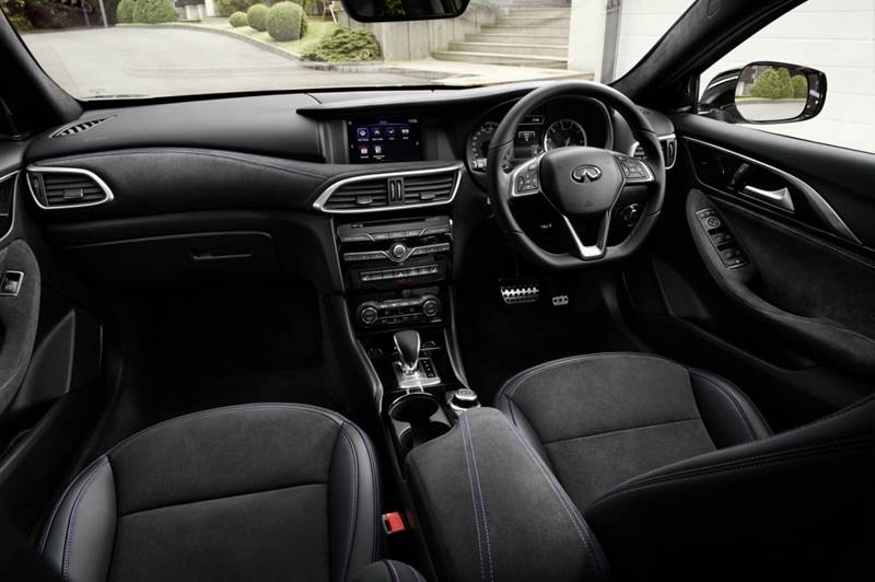 Q30-interior-s