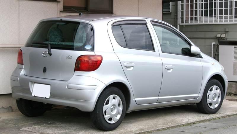 vitz-1st-rear-s