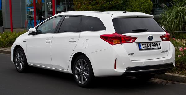 auris-touring-sports-hybrid-s