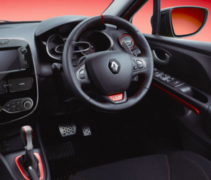 lutecia-rs-trophy-interior-cut